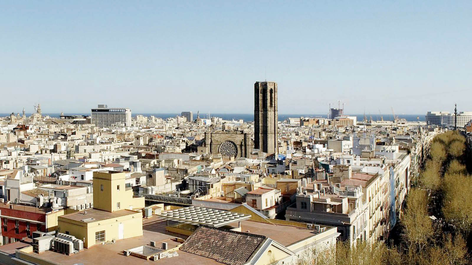 Enjoy great views and stay in the heart of the city | Le Méridien Barcelona