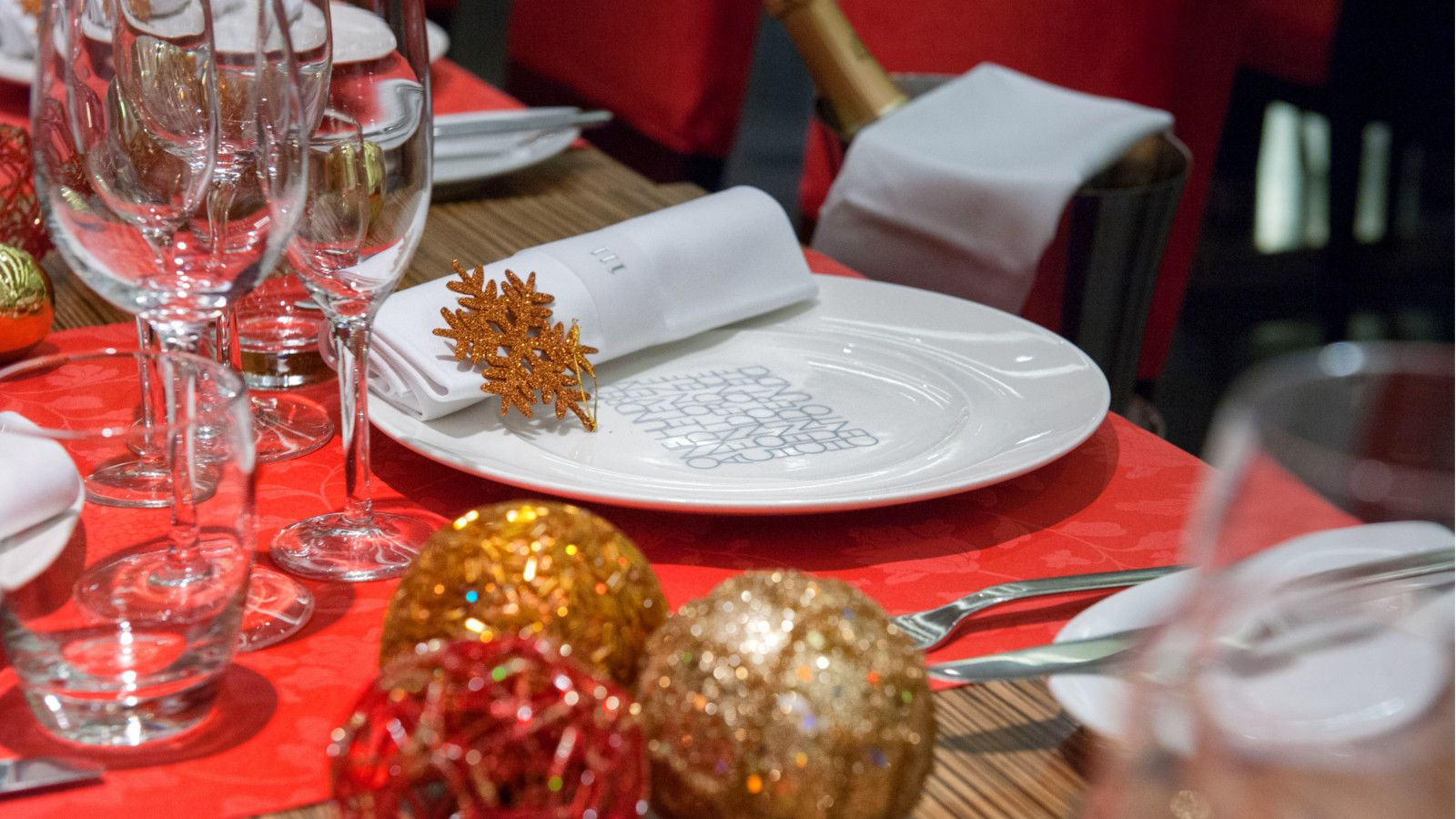 Special christmas menus for groups at Le Méridien Barcelona