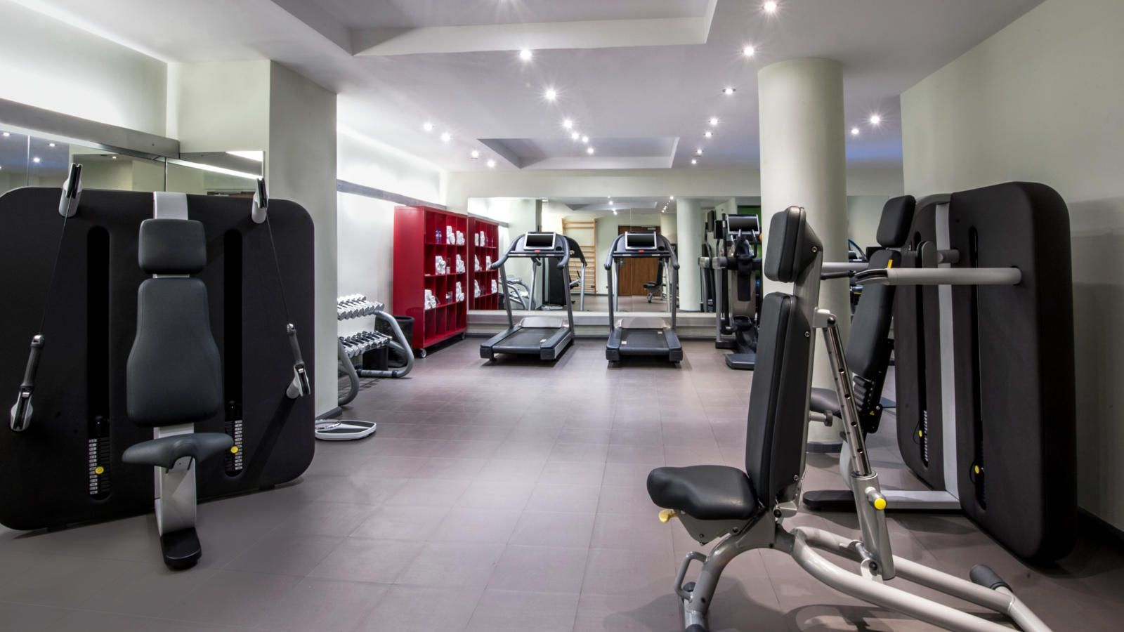 Complete range of equipment Technogym at Le Méridien Barcelona