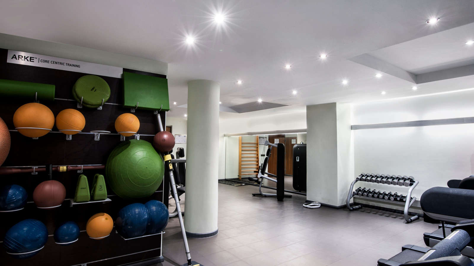 Gym with personal trainer at Le Méridien Barcelona