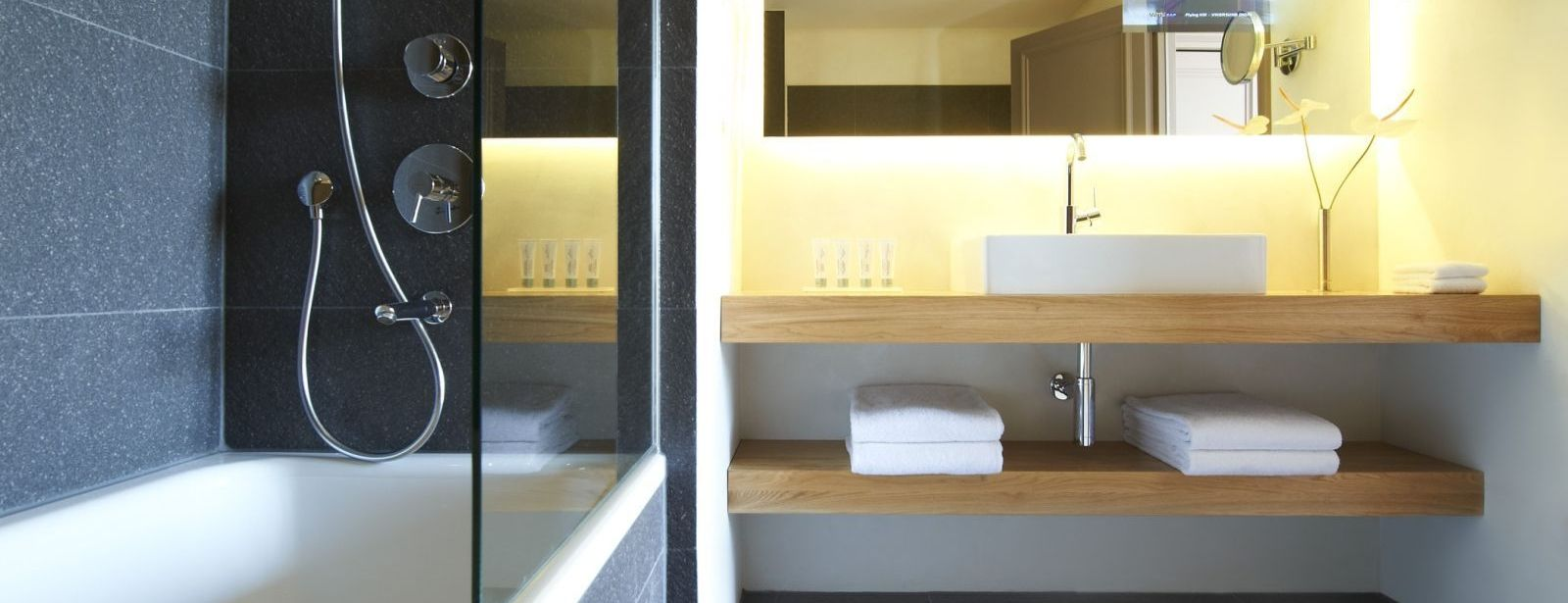 Modern Bathroom Prestige Suite