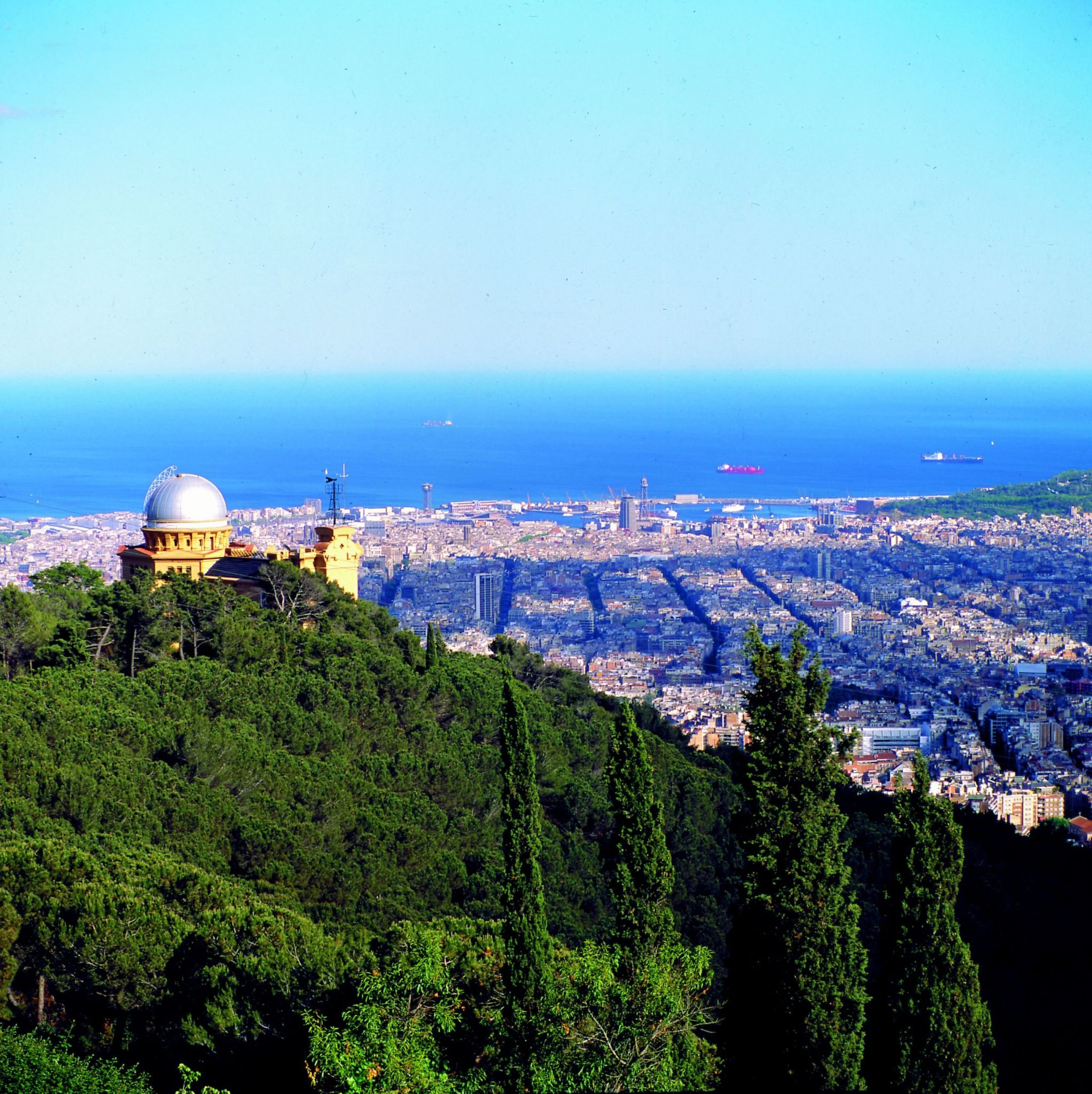 View of the Montjuïc hill and the sea
